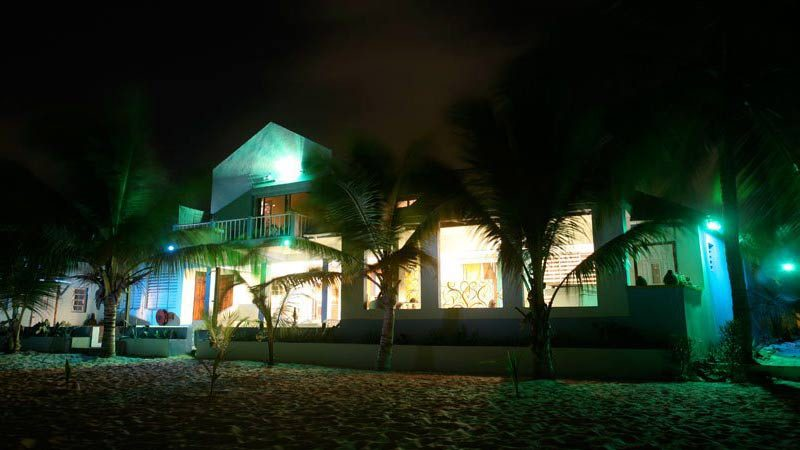 """Fantastic Beachside Accommodation in St Maarten"""